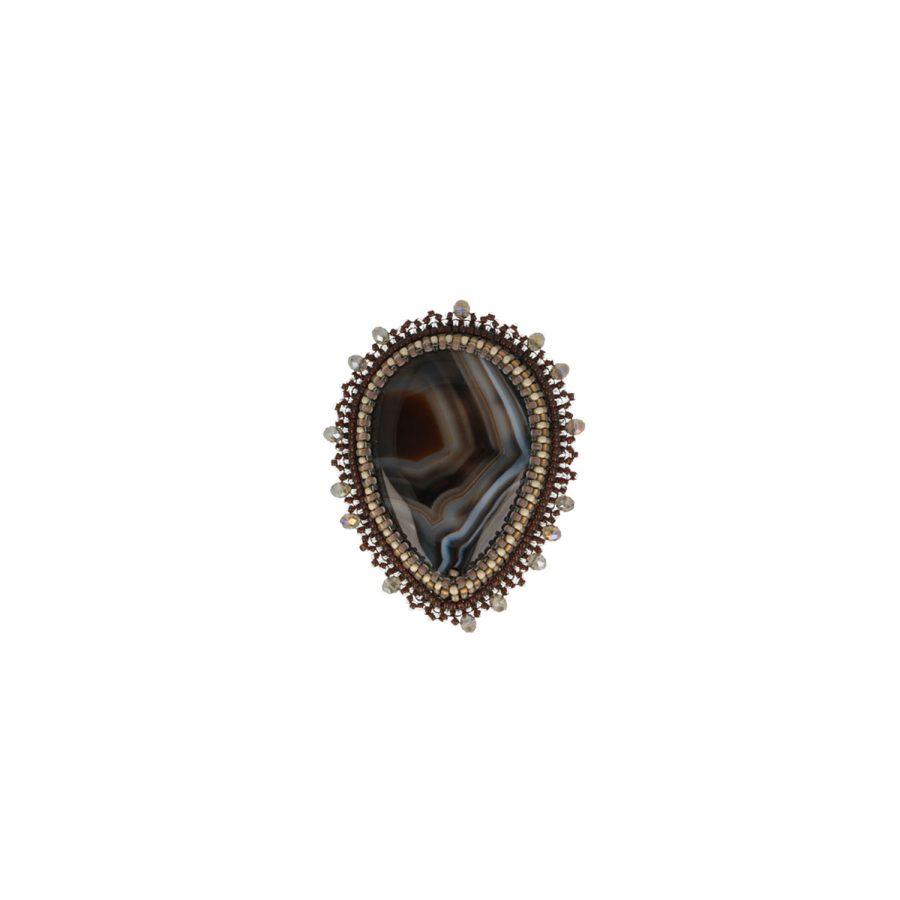 Taupefarbener Achatstein mit Perlen